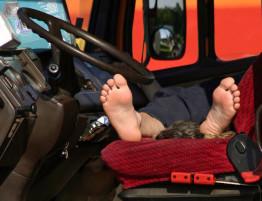 kierowca-tira-w-pracy